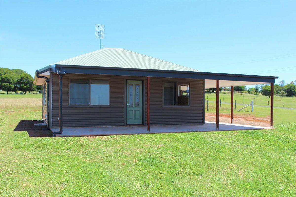 Backyard shacks ranbuild for How to build a small shack